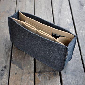 Organizer z filcu do torebki - grafitowy z beżowym wnętrzem 9010cd2548c